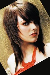 Coiffure Femme Mi Long : coupe de cheveux degrade femme mi long ~ Melissatoandfro.com Idées de Décoration