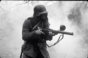 Stormtrooper with MP18 machine gun.   World war 1 ...