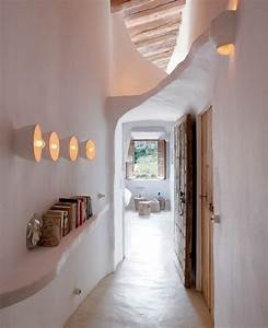 idee deco couloirs 2013 pictures to pin on pinterest With charming entree de maison exterieur 11 comment amenager un long couloir