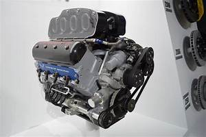 Lt4 And C7r Engine Porn From The Corvette Reveal At Naias