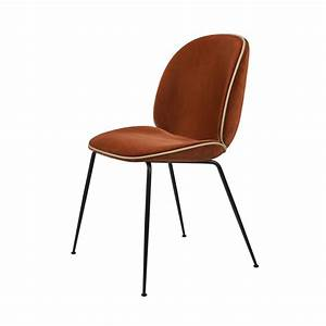 Chaise Velours Design : beetle chair chaise velours structure noir gubi ~ Teatrodelosmanantiales.com Idées de Décoration
