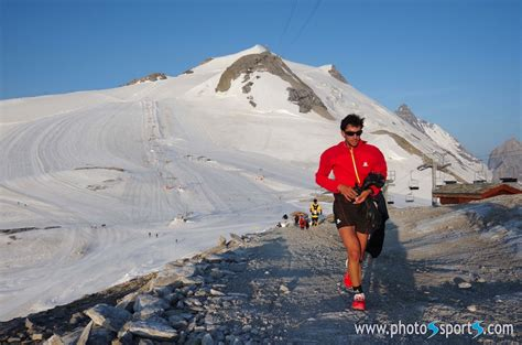 kilian jornet mont blanc apr 232 s avoir 233 tabli le record du mont blanc kilian jornet remporte l trail tarentaise