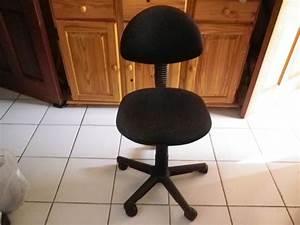 Chaise Pour Bureau : chaise pour ordinateur wal mart ~ Teatrodelosmanantiales.com Idées de Décoration