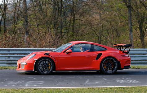red porsche 2016 mark webber drives the 2016 porsche 911 gt3 rs on the