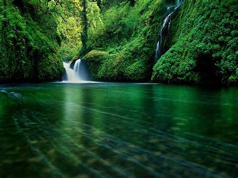 3d Wallpaper Waterfall by 3d Beautiful Waterfall Wallpapers Wallpapersafari
