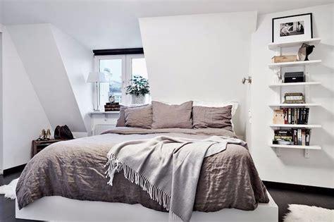 Lihat dekorasi kamar tidur unik & desain kamar tidur minimalis. 10 Desain Tempat Tidur Minimalis Keren Ini Lain dari yang Lain!
