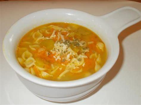 soupe aux l 233 gumes et aux p 226 tes de manger avec mo recettes