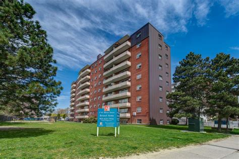 Mississauga 2 Bedrooms Apartment For Rent