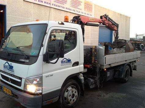 mitsubishi fuso mitsubishi fuso 7c15 lastbil med palfinger kran og 3 vejs