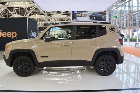 Jeep Renegade Desert Hawk Và Jeep Grand Cherokee 2017 Ra