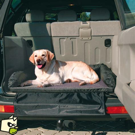 siege auto chien coussin et protection de coffre arriere automobile pour le
