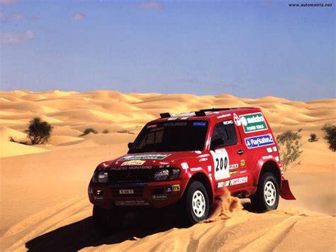 Kaos Rally Dakar Mitsubishi Pajero mitsubishi pajero dakar technical details history photos