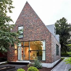 Modernes Haus Satteldach : modernes satteldachhaus mit backsteinfassade sch ner ~ A.2002-acura-tl-radio.info Haus und Dekorationen