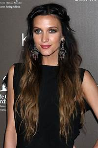 Ashlee Simpson's Hairstyles & Hair Colors | Steal Her Style