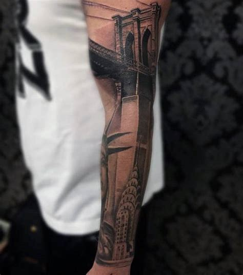 statue  liberty tattoo designs  men  york city