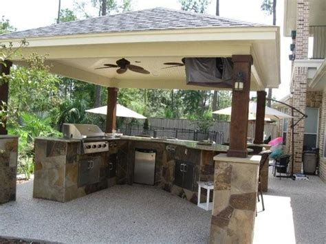 Outdoor Kitchen Layout Ideas