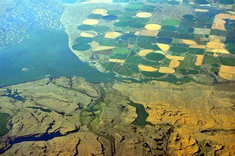 File:Aerial - Potholes Reservoir, WA - Lind Coulee 01 ...