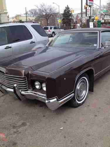 sell   lincoln continental sport  door coupe