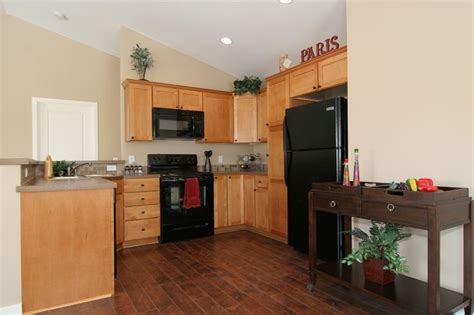 light wood floors with kitchen cabinets i want hardwood floors but light cabinets it 9883