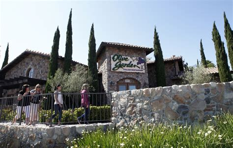 olive garden huntington why the tipped minimum wage forces me to endure harassment