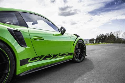 The rear wing, for instance, provided a load of 220 kg. 2018 Porsche 911 ( 991 type II ) GT3 RS #481156 - Best quality free high resolution car images ...