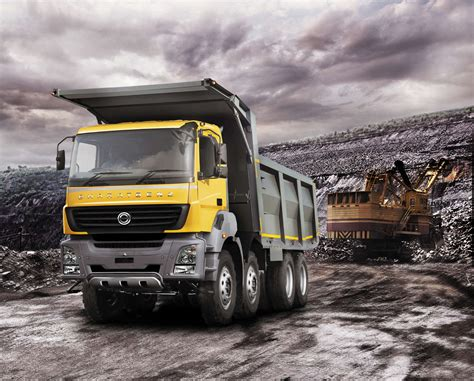bharatbenz enters  stage     heavy duty