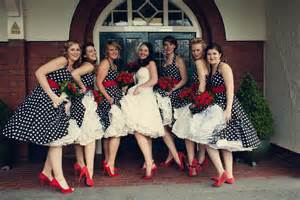 songs to play at a wedding what wedding reception to play according to your wedding theme