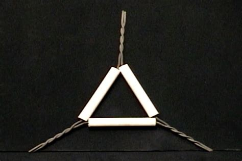 materiales de laboratorio triangulo de porcelana