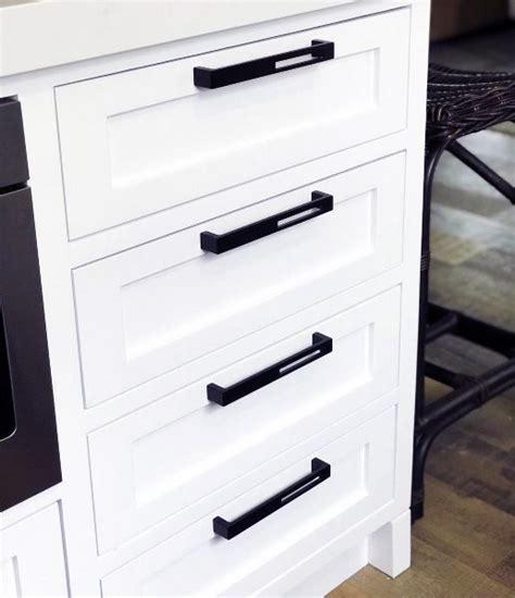 kitchen cabinets handles ideas top 70 best kitchen cabinet hardware ideas knob and pull