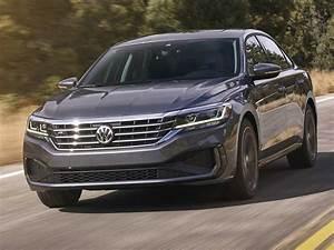 2020 VW Passat revealed in Detroit, confirmed for Middle