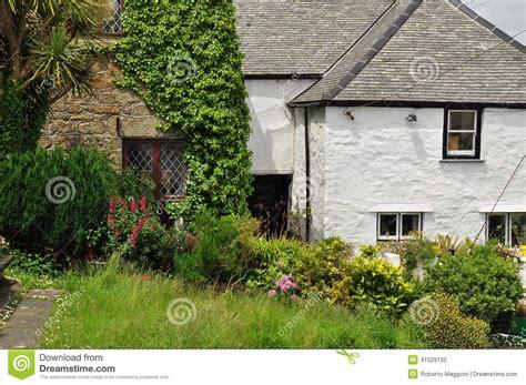 cottage cornovaglia giardino inglese tradizionale cottage cornovaglia