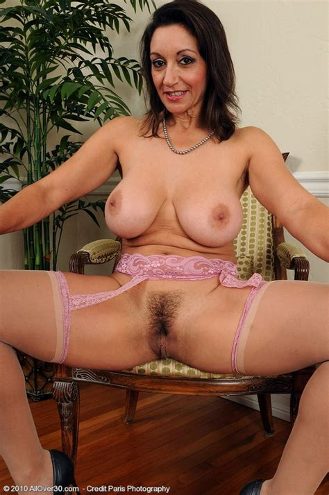 Sexy And Busty Persian Milf Spreads To Play With Her Pussy - Pichunter