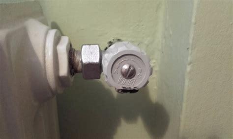 rubinetto termosifone sostituzione valvola termosifone instapro