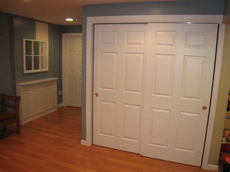 stylish sliding closet doors  mirror bringing charms