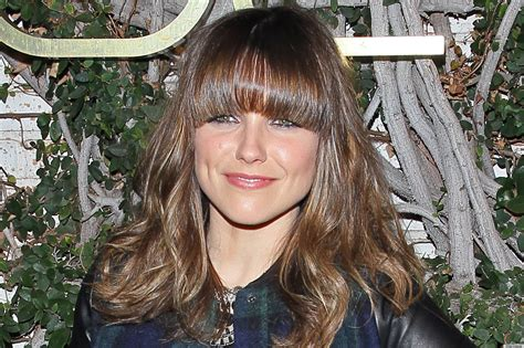 Sophia Bushs Bangs Are Just Like Jessica Biels So Lets