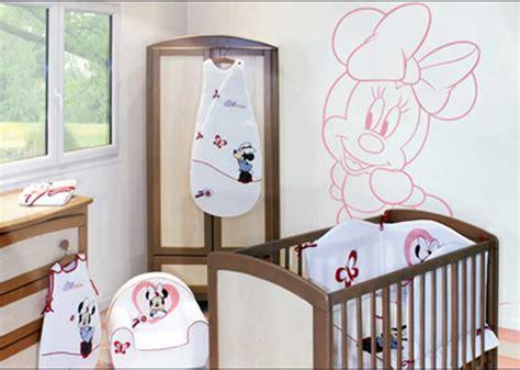 deco chambre disney davaus meuble chambre bebe disney avec des idées