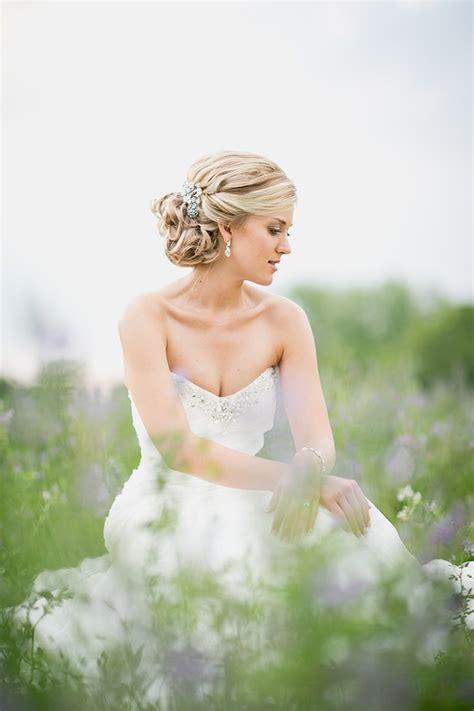 Classic Wedding Invitations   Top 8 Bridal Hair Up do?s vs