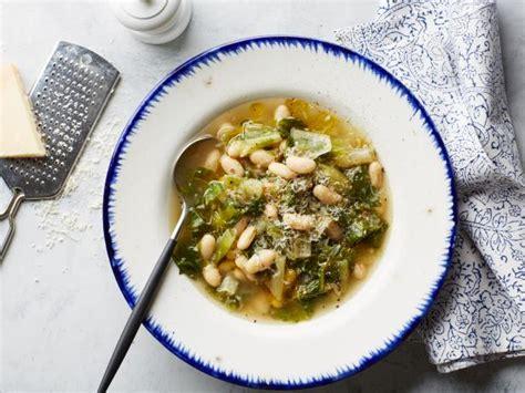 escarole  bean soup recipe giada de laurentiis food