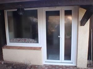 Porte de garage sectionnelle avec porte fenetre 2 vantaux for Joint porte fenetre pvc
