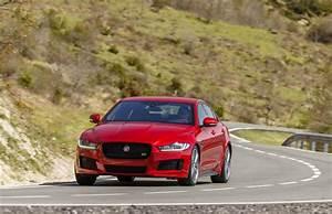 Avis Jaguar Xe : jaguar xe le fauve est l ch automobile ~ Medecine-chirurgie-esthetiques.com Avis de Voitures