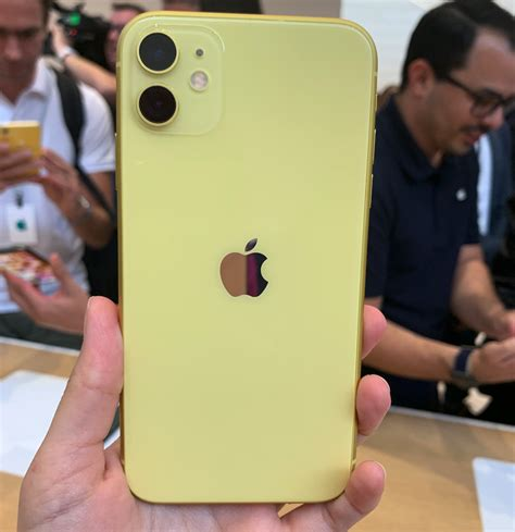 here s what all the new colours for the iphone 11 and iphone 11 pro like in person
