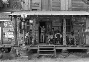 File:Dorothea Lange, Country store on dirt road, Gordonton