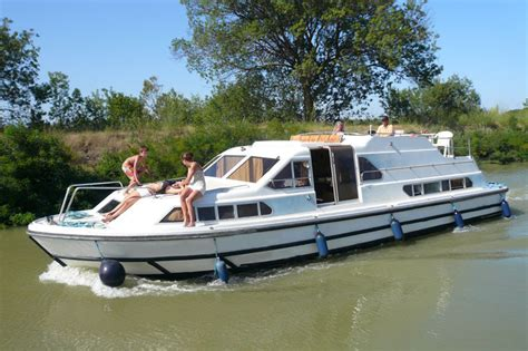 Le Boat by Le Boat Royal Classique For Rent Burgundy For Hire