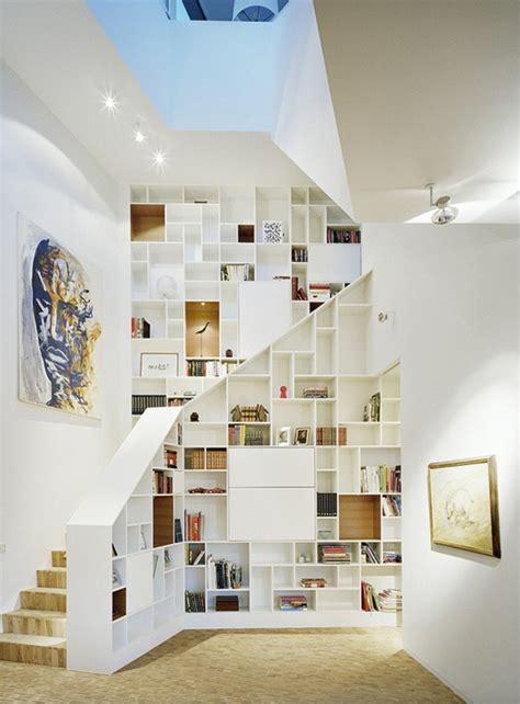 rangement sous escalier tournant am 233 nagement sous escalier utilisation optimale de l espace