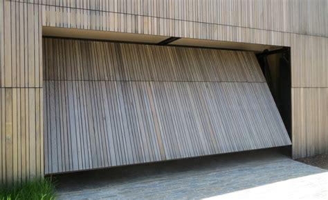 Porte Basculanti Per Box Auto Prezzi by Quanto Costa Porta Basculante Garage Edilnet It