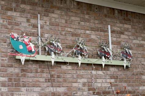 vintage christmas decoration outdoor santa reindeer