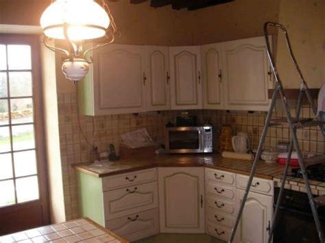 relooker ma cuisine comment relooker une cuisine aménagée en chêne résolu
