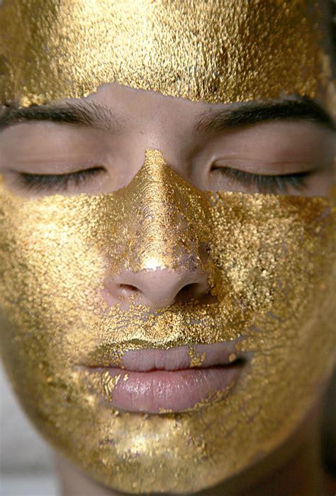 24 Karat Gold Facial – Biolite