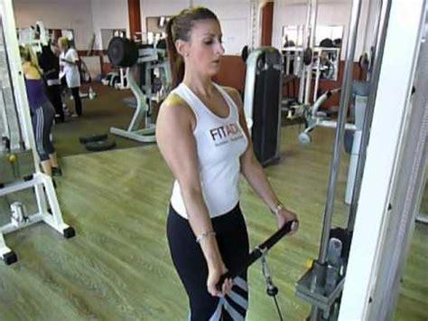 la chaise exercice musculation exercice de musculation biceps curl poulie basse