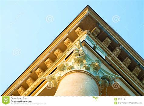 colonne chambre chambre avec la colonne romaine photo stock image 63946442